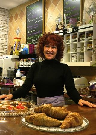 Mayca's sunny welcome in Cafe Contigo